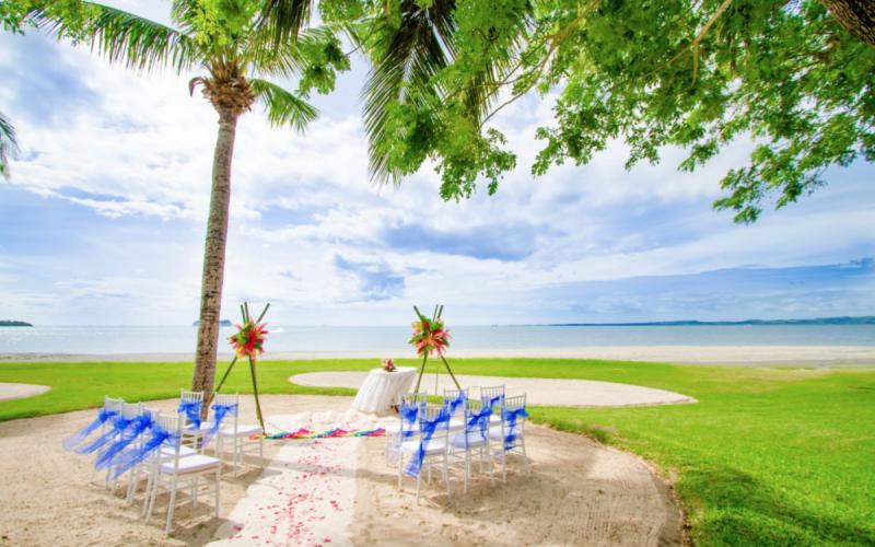 Hilton_Fiji_Beach